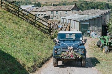 A Stylish Wedding in Yorkshire (c) Laura Calderwood Photography (21)
