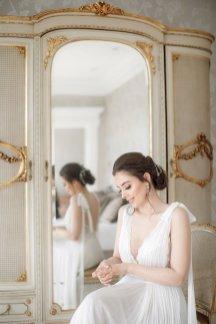 An Elegant Styled Bridal Shoot at Delamere Manor (c) Zehra Jagani (14)