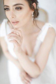 An Elegant Styled Bridal Shoot at Delamere Manor (c) Zehra Jagani (15)