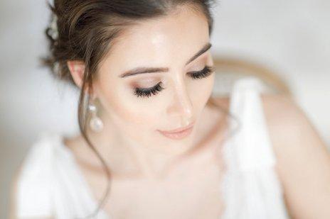 An Elegant Styled Bridal Shoot at Delamere Manor (c) Zehra Jagani (17)