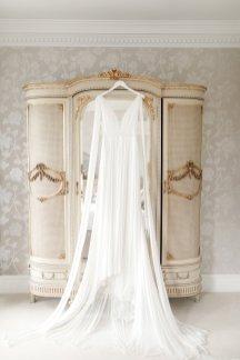 An Elegant Styled Bridal Shoot at Delamere Manor (c) Zehra Jagani (3)