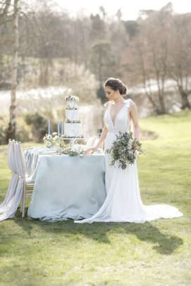 An Elegant Styled Bridal Shoot at Delamere Manor (c) Zehra Jagani (30)