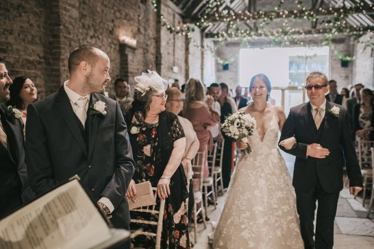 A Rustic Wedding at Barmbyfield Barns (c) Amy Jordison Photography (16)
