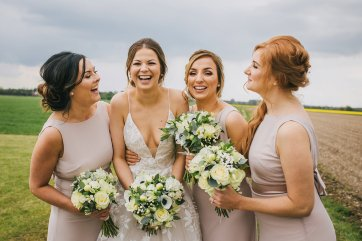 A Rustic Wedding at Barmbyfield Barns (c) Amy Jordison Photography (22)