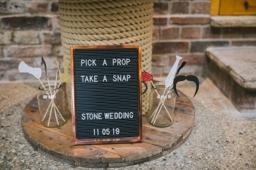 A Rustic Wedding at Barmbyfield Barns (c) Amy Jordison Photography (33)