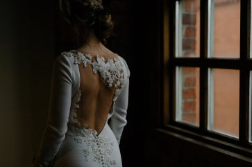 An Urban Styled Bridal Shoot at The Biscuit Factory (c) Dan McCourt (22)