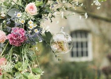A Pretty Styled Shoot at Saltmarshe Hall (c) Natalie Hamilton Photography (26)