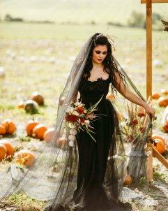 Halloween Bridal Shoot (c) Freya Raby (9)