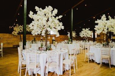 A Summer Barn Wedding at Stock Farm (c) Kate McCarthy (8)