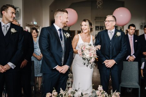 A Pretty Wedding at Holmfirth Vineyard (c) Glix Photography (25)
