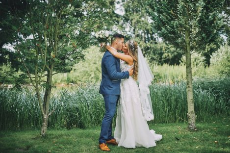 A Rustic Summer Wedding at Villa Farm (c) Bethany Clarke (56)