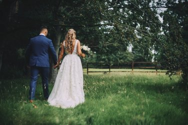 A Rustic Summer Wedding at Villa Farm (c) Bethany Clarke (69)