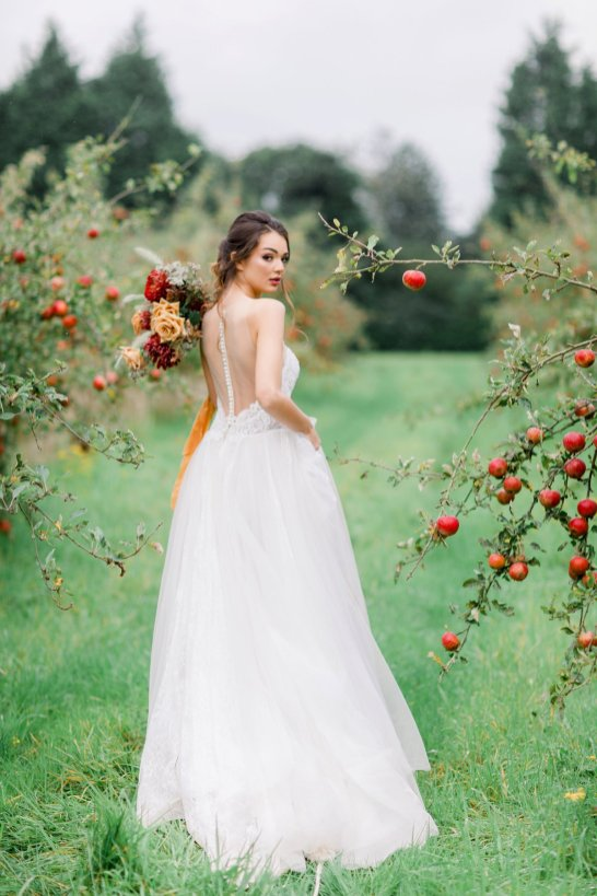 An Orchard Styled Shoot (c) Jo Bradbury (30)