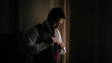 Jesus Peiro for an autumn wedding at Middleton Lodge (c) Jules Barron (1)