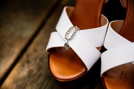 A Rustic Wedding at Barmbyfield Barns (c) Hayley Baxter Photography (3)
