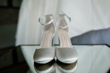 A Pretty Wedding at Tickton Grange (c) Hayley Baxter Photography (4)