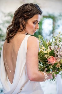 A Romantic Bridal Shoot at Ilkley Manor House (c) Jane Beadnell Photography (2)