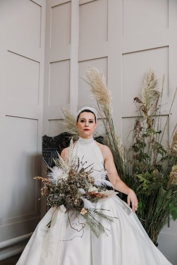A Swan Lake Styled Shoot at Thickett Priory (c) Victoria Baker Weddings (34)