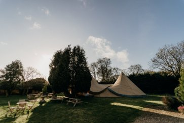 A Tipi Wedding at Hallgarth Manor (c) Sawyer & Sawyer (7)