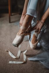 A ballet inspired bridal shoot at Leadenham Estate (c) Kyle Baxter Photography (4)