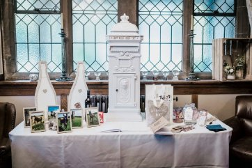 A Pretty Wedding at West Tower (c) Sarah Glynn Photography (86)