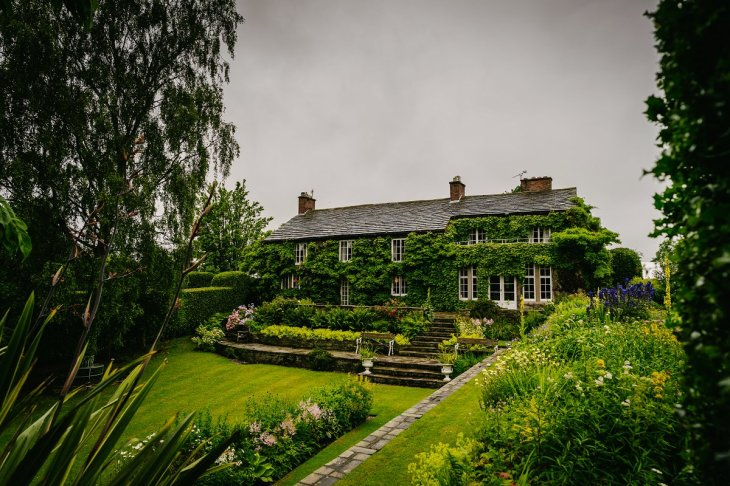 A Relaxed Wedding at Hilltp Country House (c) Lee Brown Photography (1)