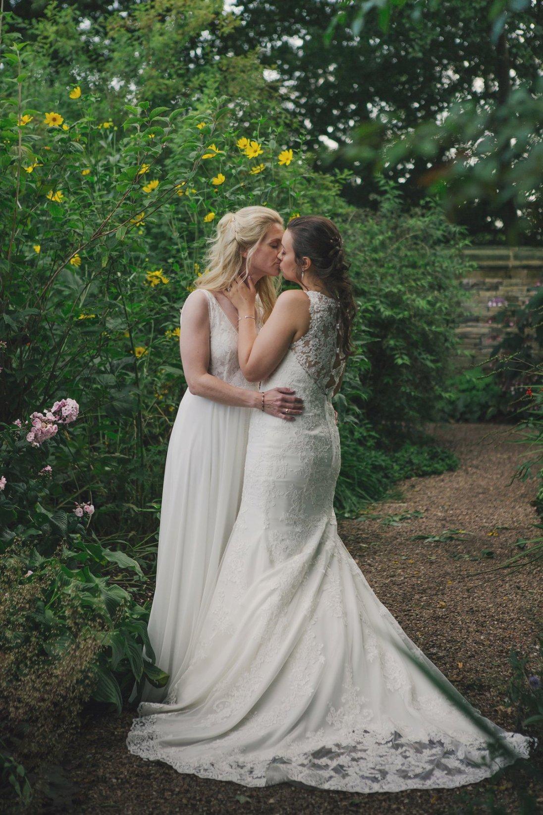A Rustic Wedding at East Riddlesden Hall (c) Lissa Alexandra Photography (102)