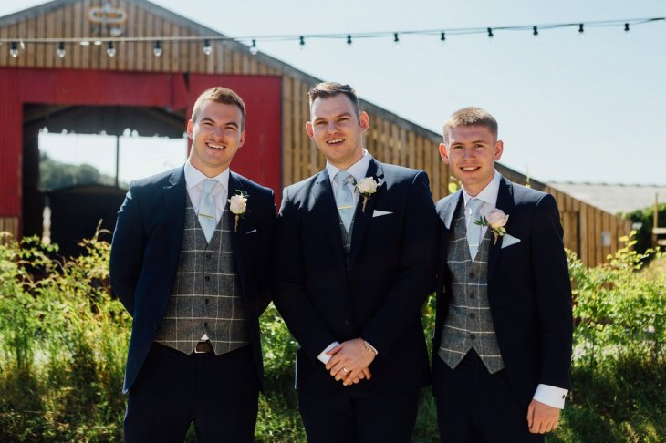 A Rustic Wedding at Three Hills Barn (c) Lauren McGuiness Photography (60)