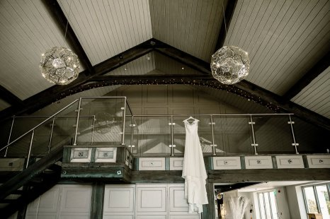 A Rustic Wedding at Yorkshire Wedding Barn (c) Hayley Baxter Photography (2)