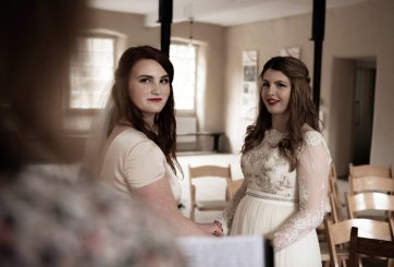 An eco-friendly wedding shoot at Gibson Mill Charlotte Nelson Photography & Louise Pollitt Photography(12)