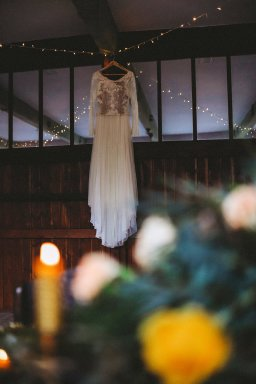 An eco-friendly wedding shoot at Gibson Mill Charlotte Nelson Photography & Louise Pollitt Photography(27)