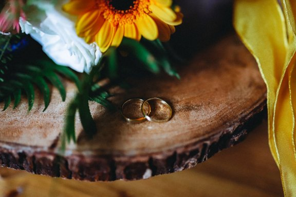 An eco-friendly wedding shoot at Gibson Mill Charlotte Nelson Photography & Louise Pollitt Photography(28)