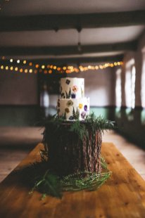 An eco-friendly wedding shoot at Gibson Mill Charlotte Nelson Photography & Louise Pollitt Photography(30)