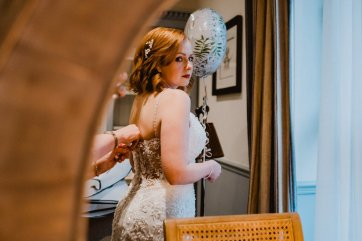 A Chic City Wedding at King Street Townhouse (c) Kate McCarthy (15)