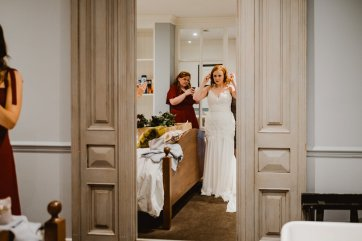 A Chic City Wedding at King Street Townhouse (c) Kate McCarthy (16)