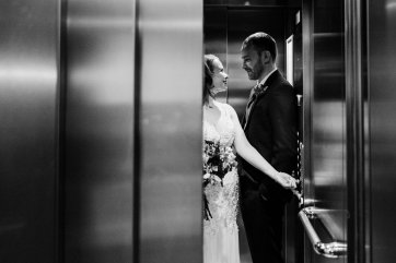 A Chic City Wedding at King Street Townhouse (c) Kate McCarthy (53)