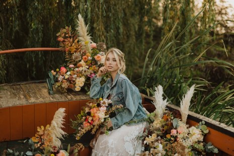A Glowing Styled Bridal Shoot at Skipbridge Country Weddings (c) Freya Raby Photography & Kayleigh Ann Photography (11)
