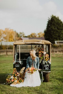 A Glowing Styled Bridal Shoot at Skipbridge Country Weddings (c) Freya Raby Photography & Kayleigh Ann Photography (22)