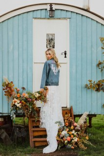 A Glowing Styled Bridal Shoot at Skipbridge Country Weddings (c) Freya Raby Photography & Kayleigh Ann Photography (24)