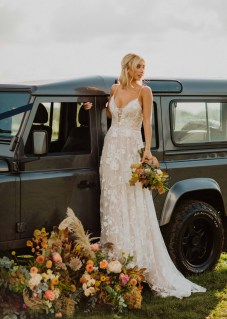 A Glowing Styled Bridal Shoot at Skipbridge Country Weddings (c) Freya Raby Photography & Kayleigh Ann Photography (26)