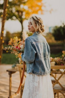 A Glowing Styled Bridal Shoot at Skipbridge Country Weddings (c) Freya Raby Photography & Kayleigh Ann Photography (36)