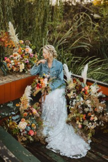 A Glowing Styled Bridal Shoot at Skipbridge Country Weddings (c) Freya Raby Photography & Kayleigh Ann Photography (37)