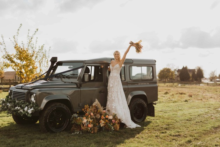 A Glowing Styled Bridal Shoot at Skipbridge Country Weddings (c) Freya Raby Photography & Kayleigh Ann Photography (6)