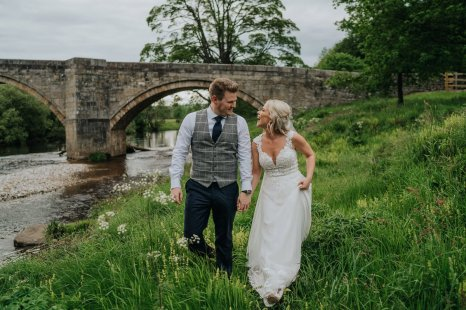 A Rustic Wedding at Tithe Barn (c) Bloom Weddings (90)