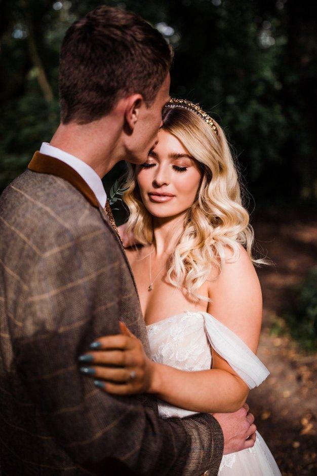 A Styled Woodland Wedding Shoot at Hazlewood Castle (c) Anna Beth Photography (11)