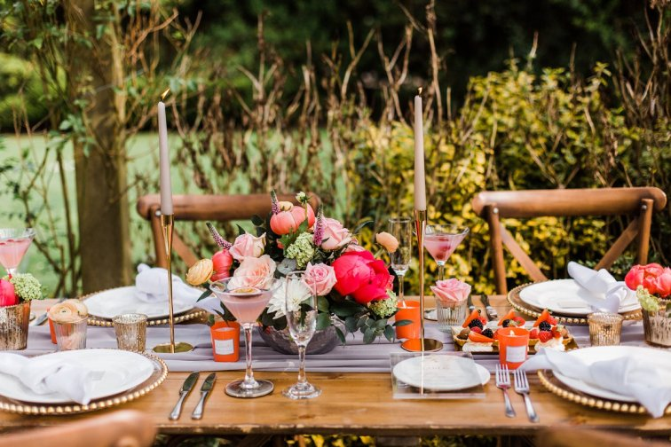 Living Coral Styled Wedding Shoot (c) Anna Beth Photography (11)