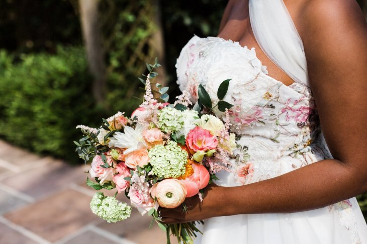 Living Coral Styled Wedding Shoot (c) Anna Beth Photography (16)