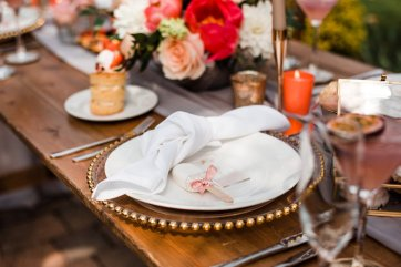 Living Coral Styled Wedding Shoot (c) Anna Beth Photography (6)