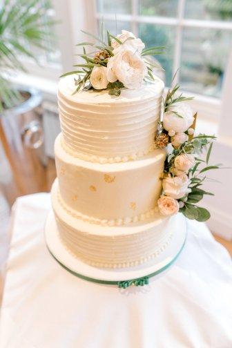 Pronovias Wedding Dress for a Winter Wedding at Mitton Hall (c) Kieran Bellis Photography for Brides Up North (39)