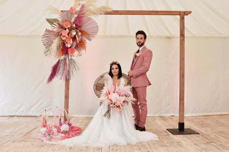 A Festival Wedding Shoot at Simply Fields (c) Jules Fortune Photography (20)